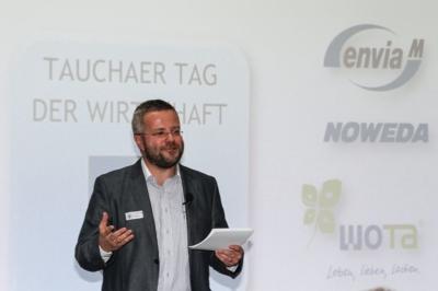 Taucha - Erster Tag der Wirtschaft - der Moderator und Vortragende Dr. Tobias D. Höhn führte durch den Samstag