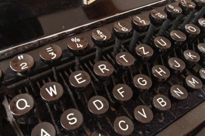 Wer schreibt, der bleibt - Schreibmaschine, was Unternehmer für die Altersvorsorge tun können