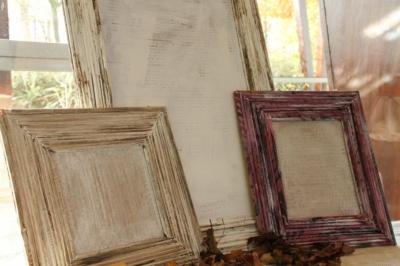 Kunstausstellung zum Tag der offenen Tür der AWO Werstatt in Eilenburg: Bilderrahmen nur aus Papier vom BBB gefertig