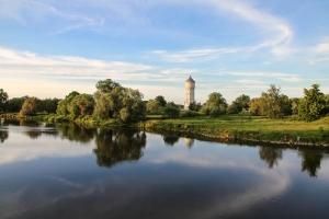 Wasserturm in Eilenburg mit Blick auf die Mulde