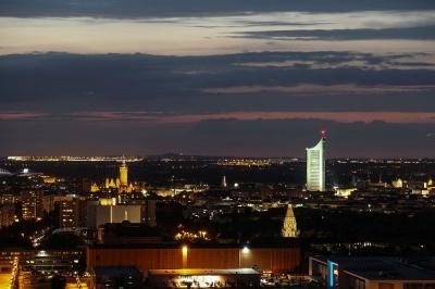 Leipzig - Blick Richtung Norden vom Völkerschlachtdenkmal zur entspannten Abendstunde